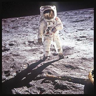 nasa50 520 03 on08 35 Fotografias marcantes na Historia da Exploração Espacial