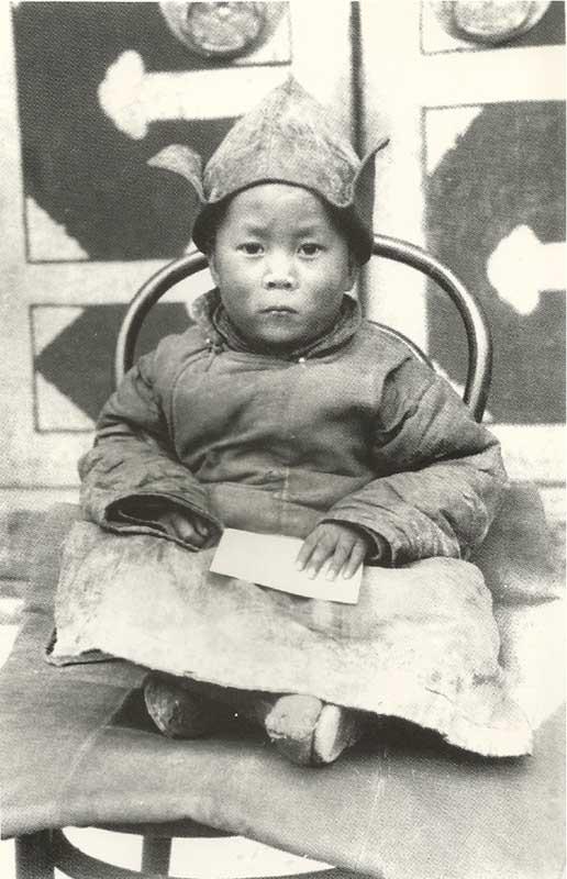Dala Lama just discovered 40 Fotografias Históricas de Famosos em Criança