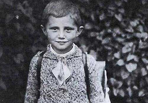 bento XVI child 40 Fotografias Históricas de Famosos em Criança