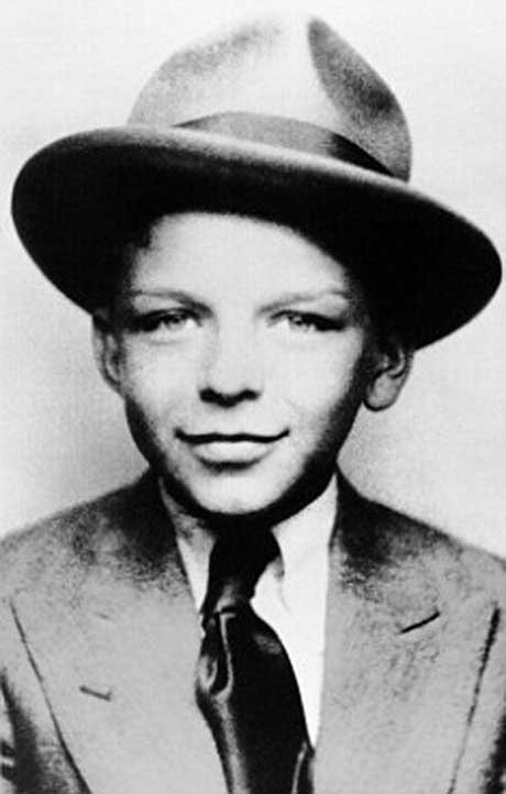 frank sinatra 40 Fotografias Históricas de Famosos em Criança