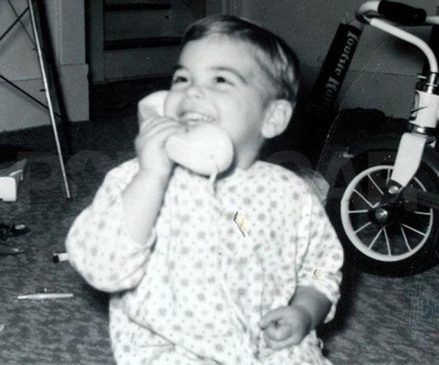 george clooney from kid to heartthrob 640 01 40 Fotografias Históricas de Famosos em Criança