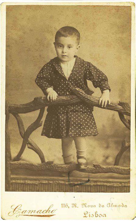 pessoa 3 anos 40 Fotografias Históricas de Famosos em Criança