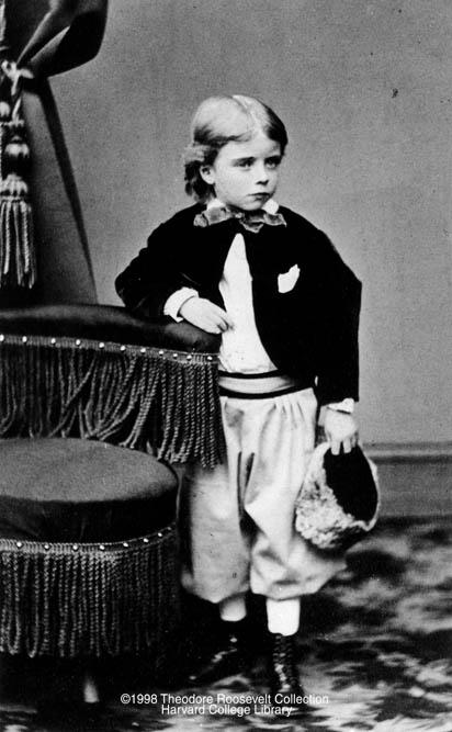 theodore rosvelt 40 Fotografias Históricas de Famosos em Criança