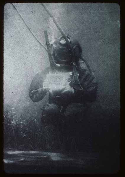 Louis Marie-Auguste-Boutan-1893-first-underwater-photo